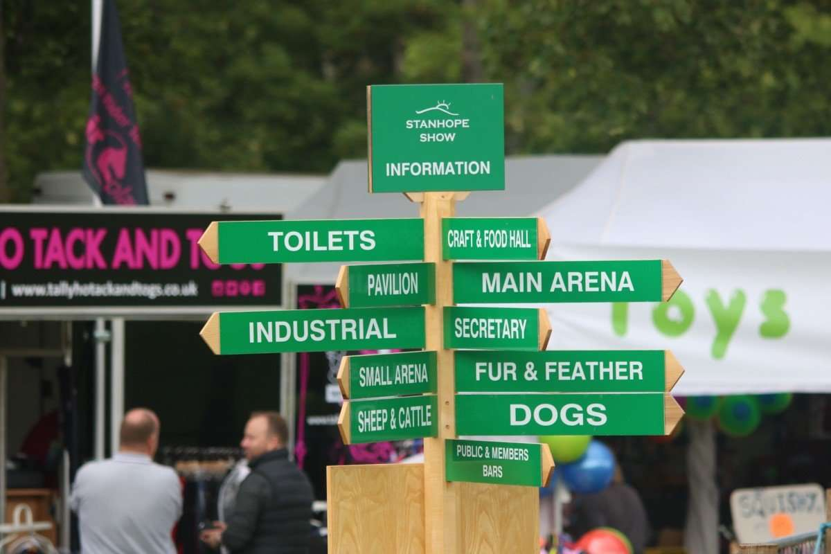 Signpost Stanhope Show